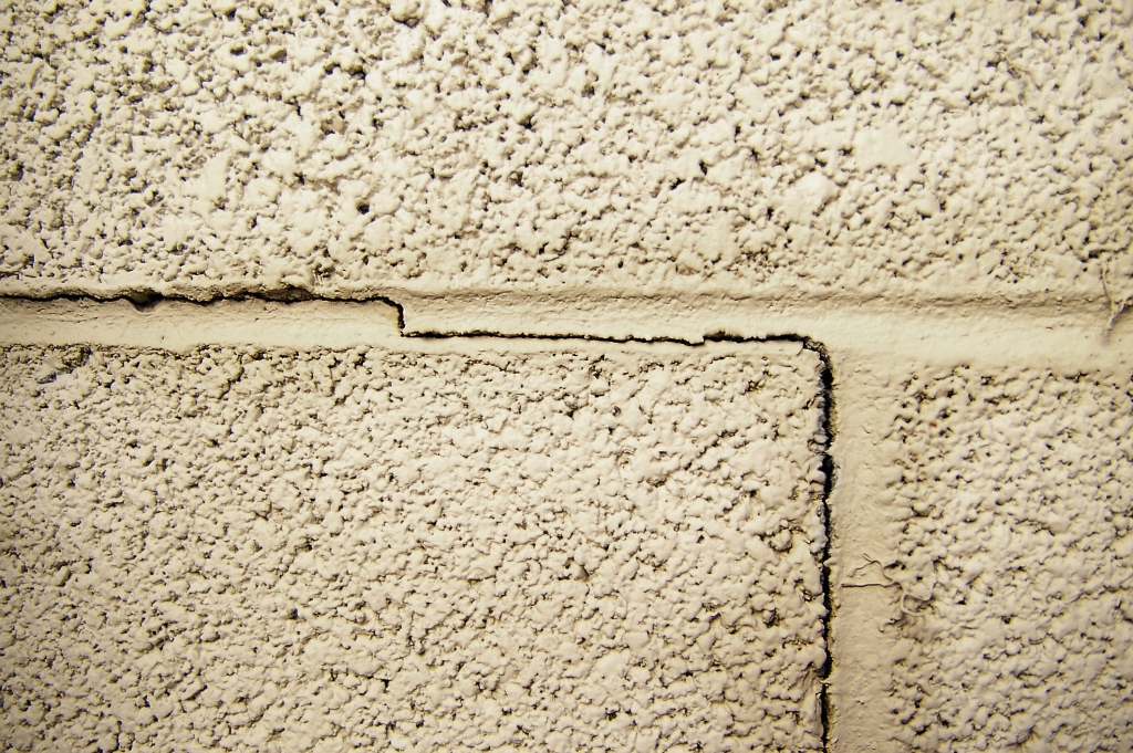 foundation-crack1-1024x681